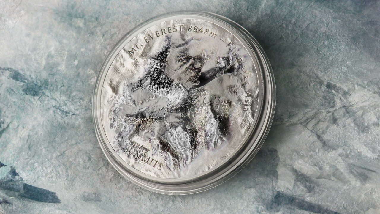 The seven summits Mount Everest silver coin