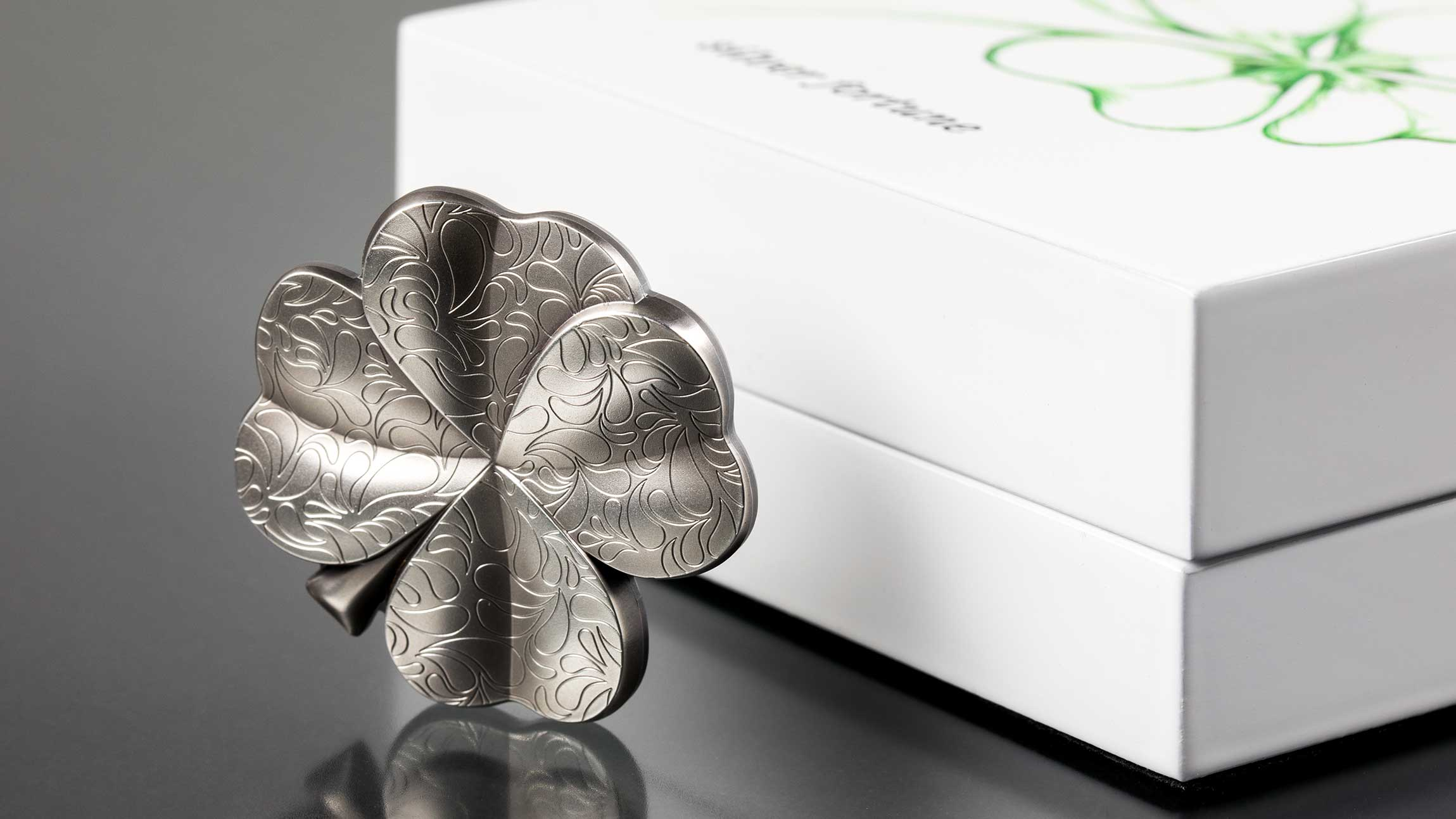 Silver fortune unique shape four leaf clover silver coin by CIT with smartminting, modern numismatics