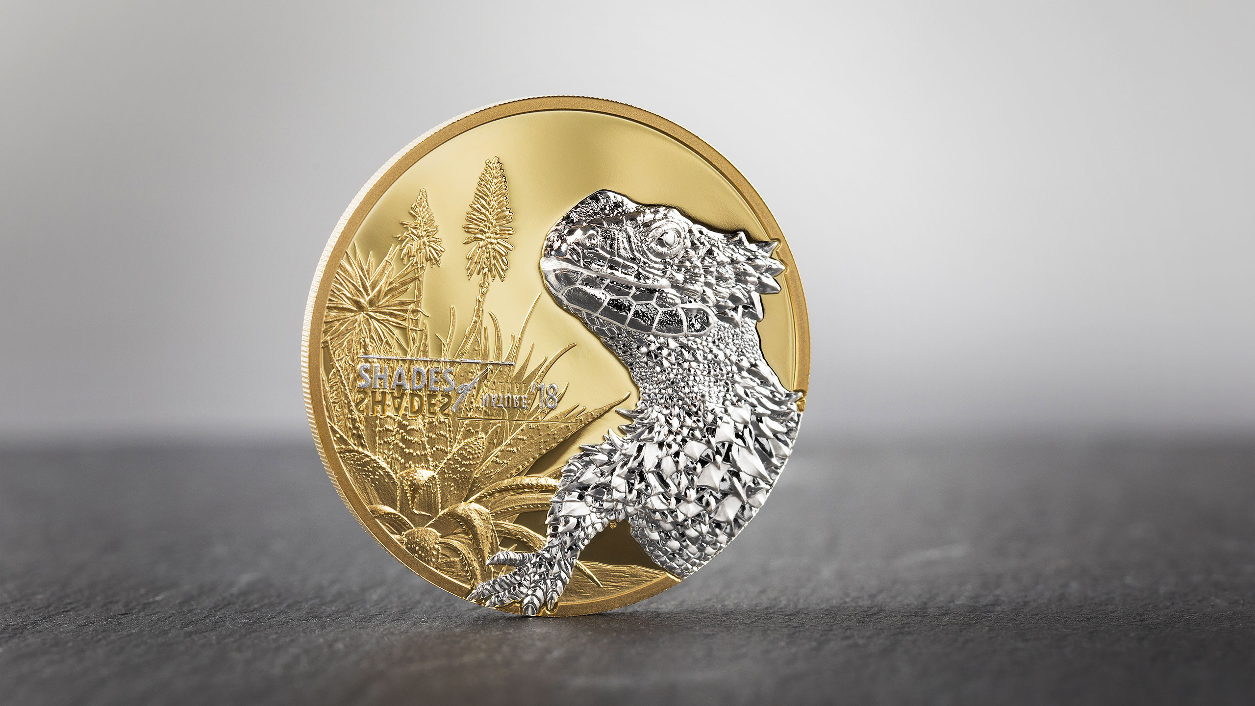 Shades of Nature silver coin micro minted with smartminting high relief by CIT Coin Invest AG and B H Mayer mint showing sungazer lizard Smaug